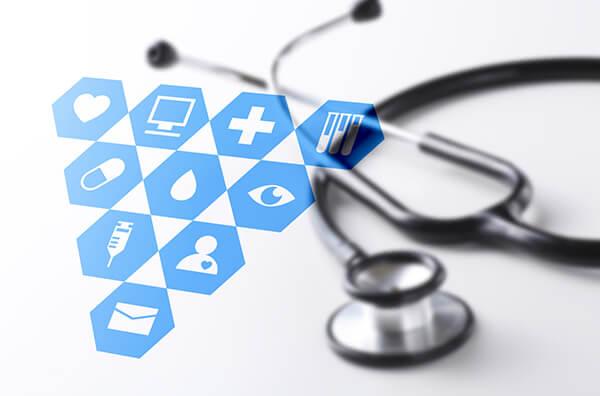現在、別の病院を受診しているのですが、それでも在宅医療は受けられますか?